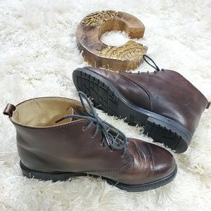 Eddie Bauer   Brown Leather Ankle Boots